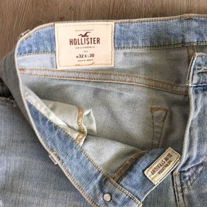 Hollister Mens Light wash 32w 30L